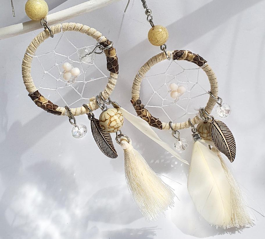 Álomfogó fehér tollas fülbevaló2